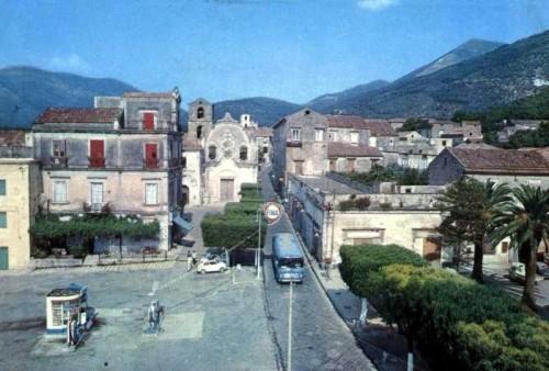 arienzo-piazza-valletta-
